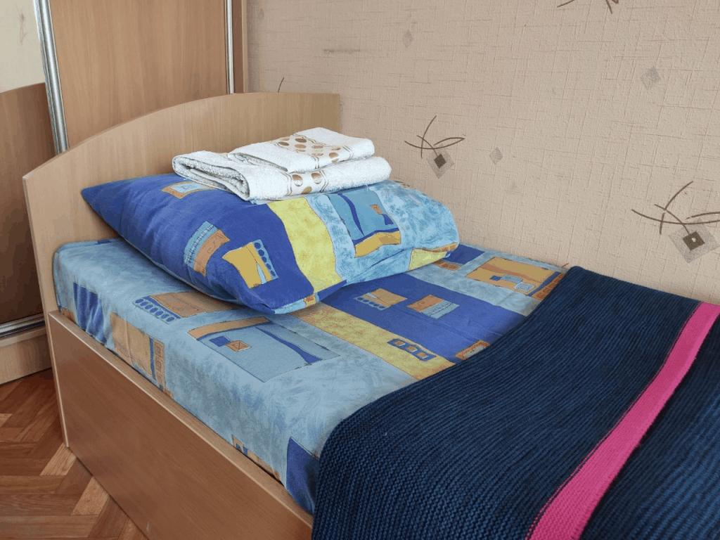 Гостиница Топаз Зеленоградск. Кровать