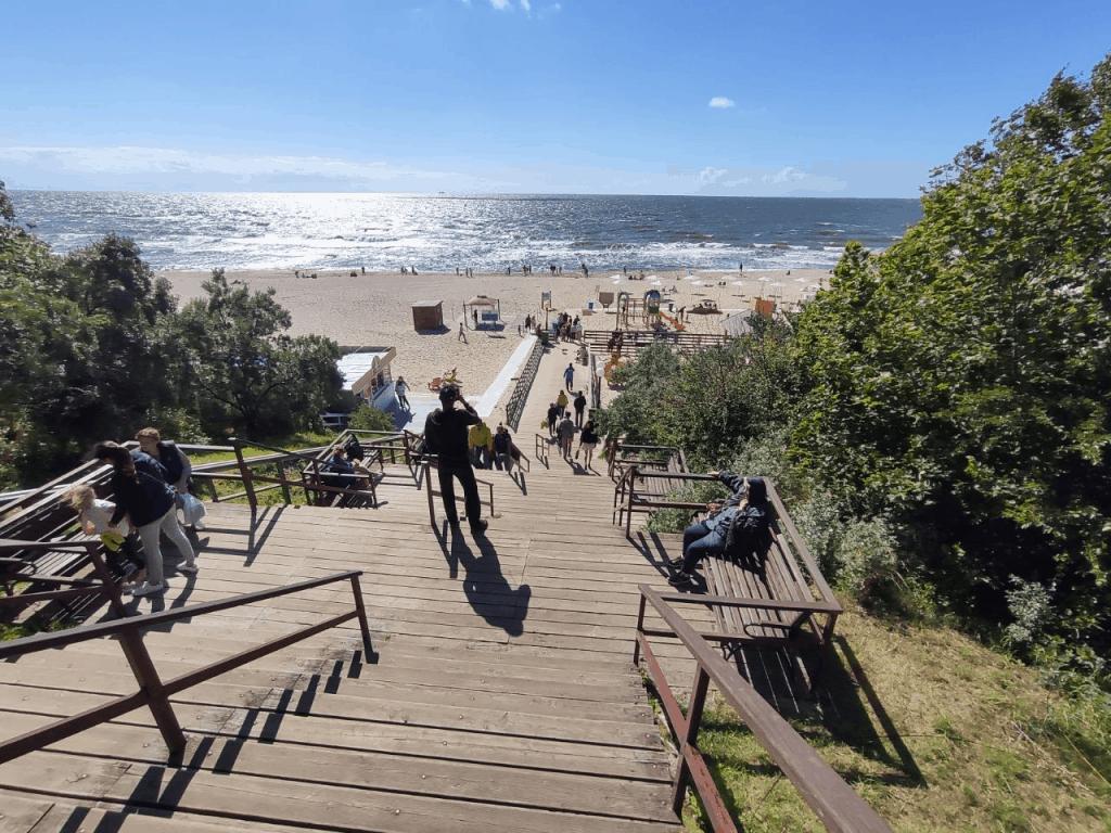 Спуск на пляж в Янтарном