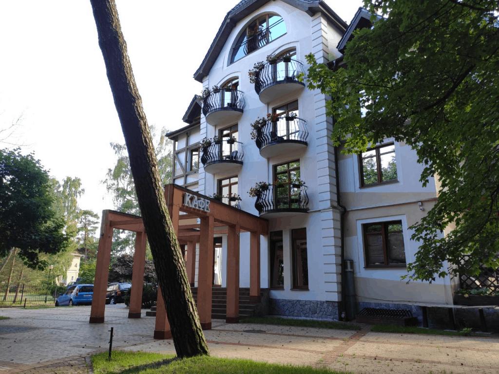 Отель Люмьер Светлогорск. Территория