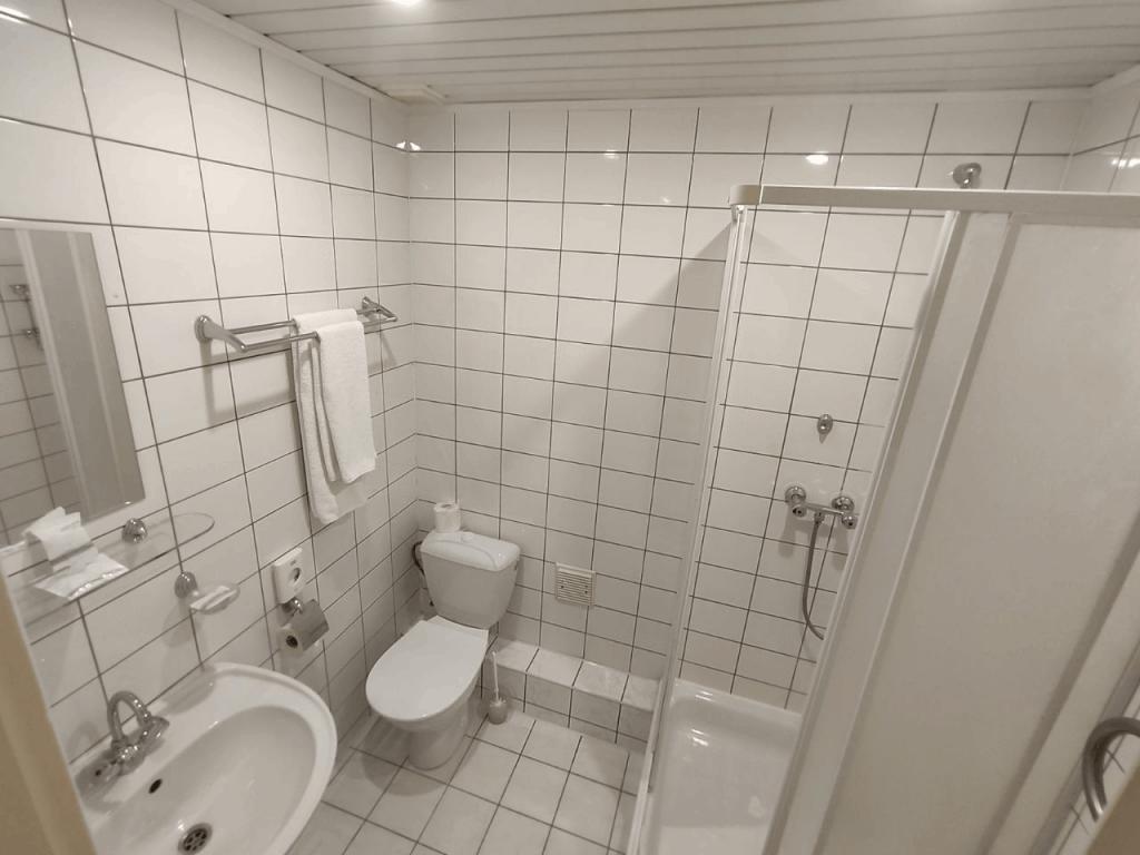 Гостиница Москва в Калининграде. Ванная