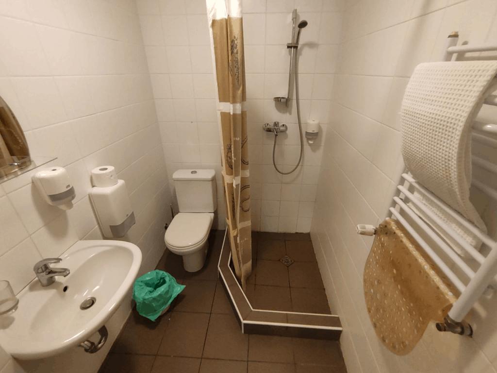 "Отель ""Дом Рыболова"" Кршская коса. Ванная комната"