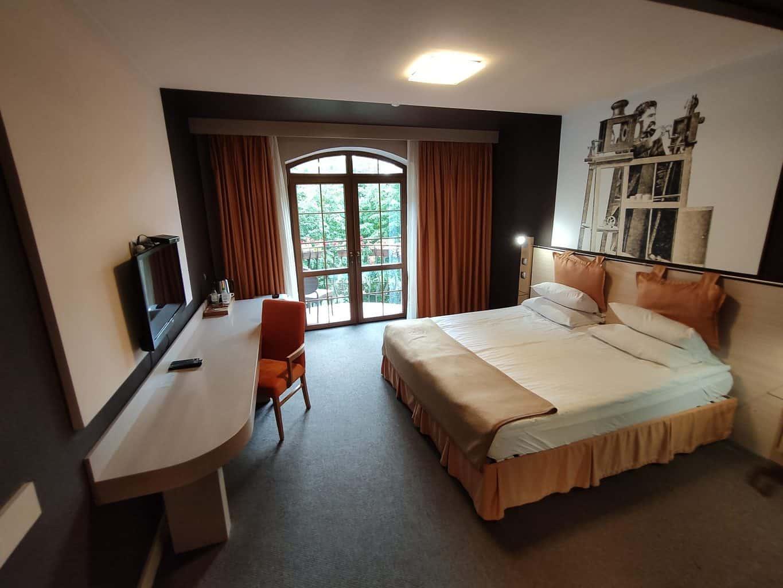 Как снимать отели в Калининграде и на побережье от 200 рублей за номер
