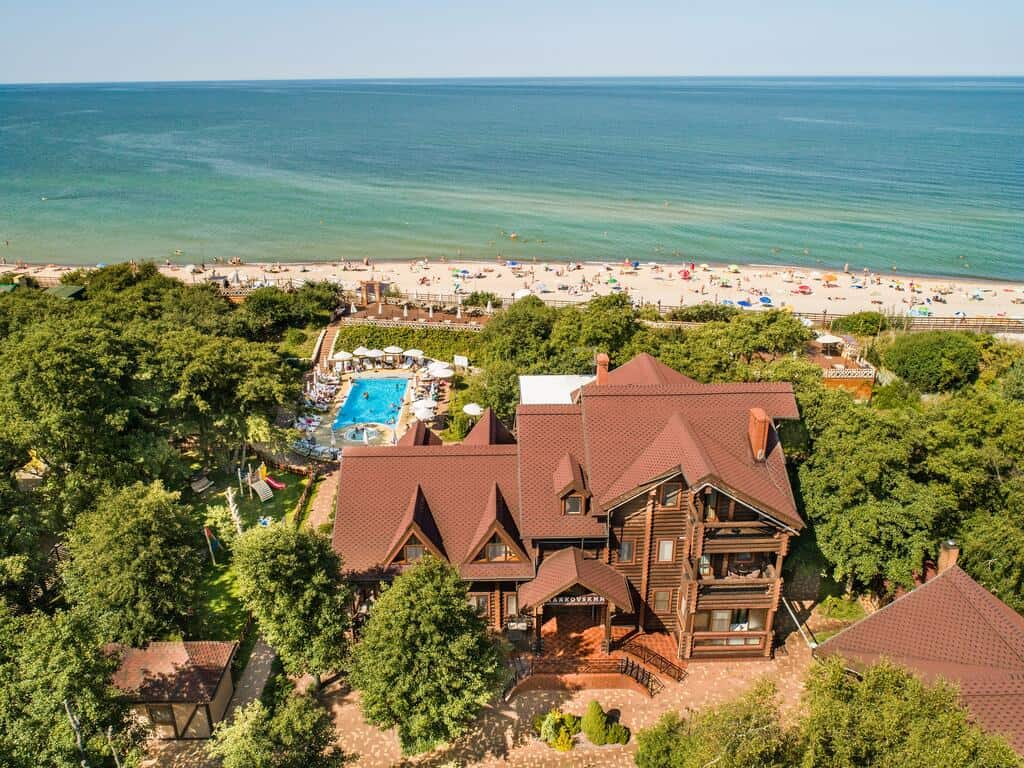Лучшие отели с бассейном на побережье - Маяковский. Куршская коаса