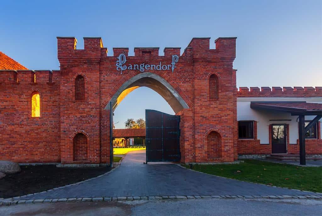 Лучшие загородные отели Калининграда с бассейном - Лангендорф
