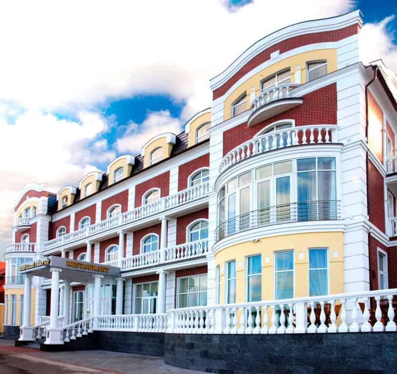 Лучшие отели с бассейном на побережье - Гранд Палас, Светлогорск