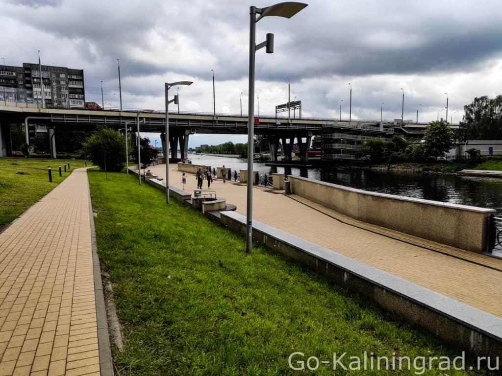 Велодорожка под вторым эстакадным мостом