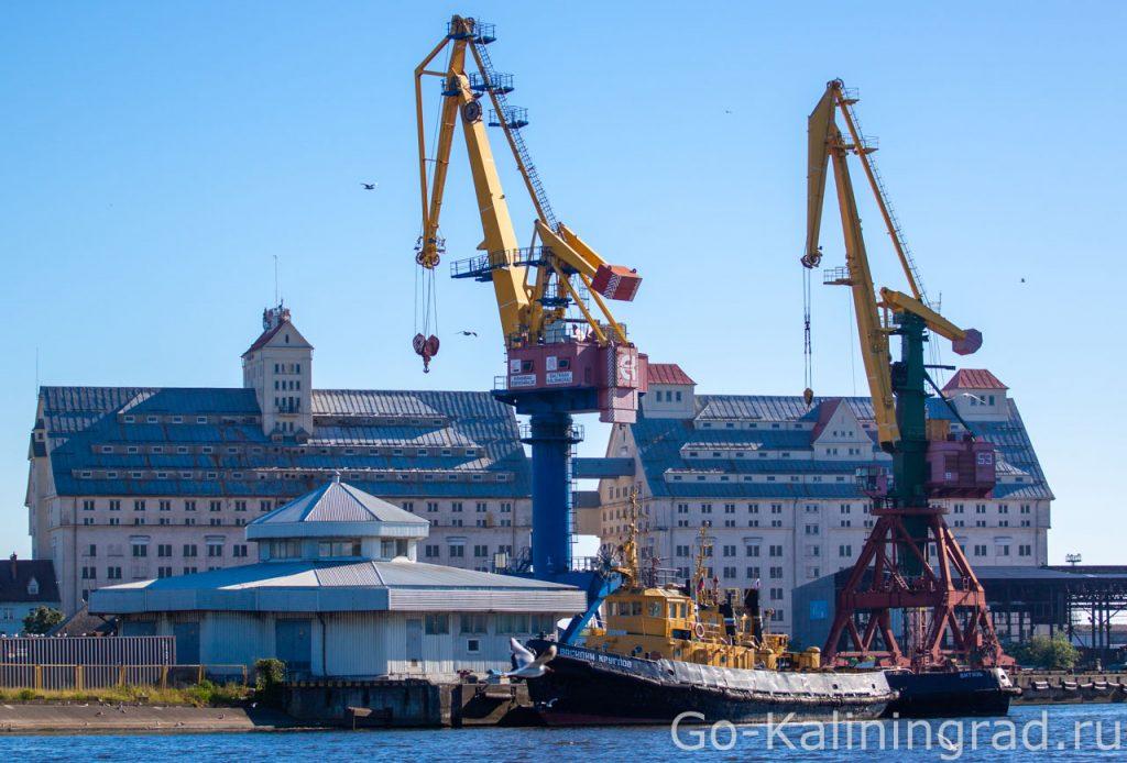 Здание портовых башень элеваторов