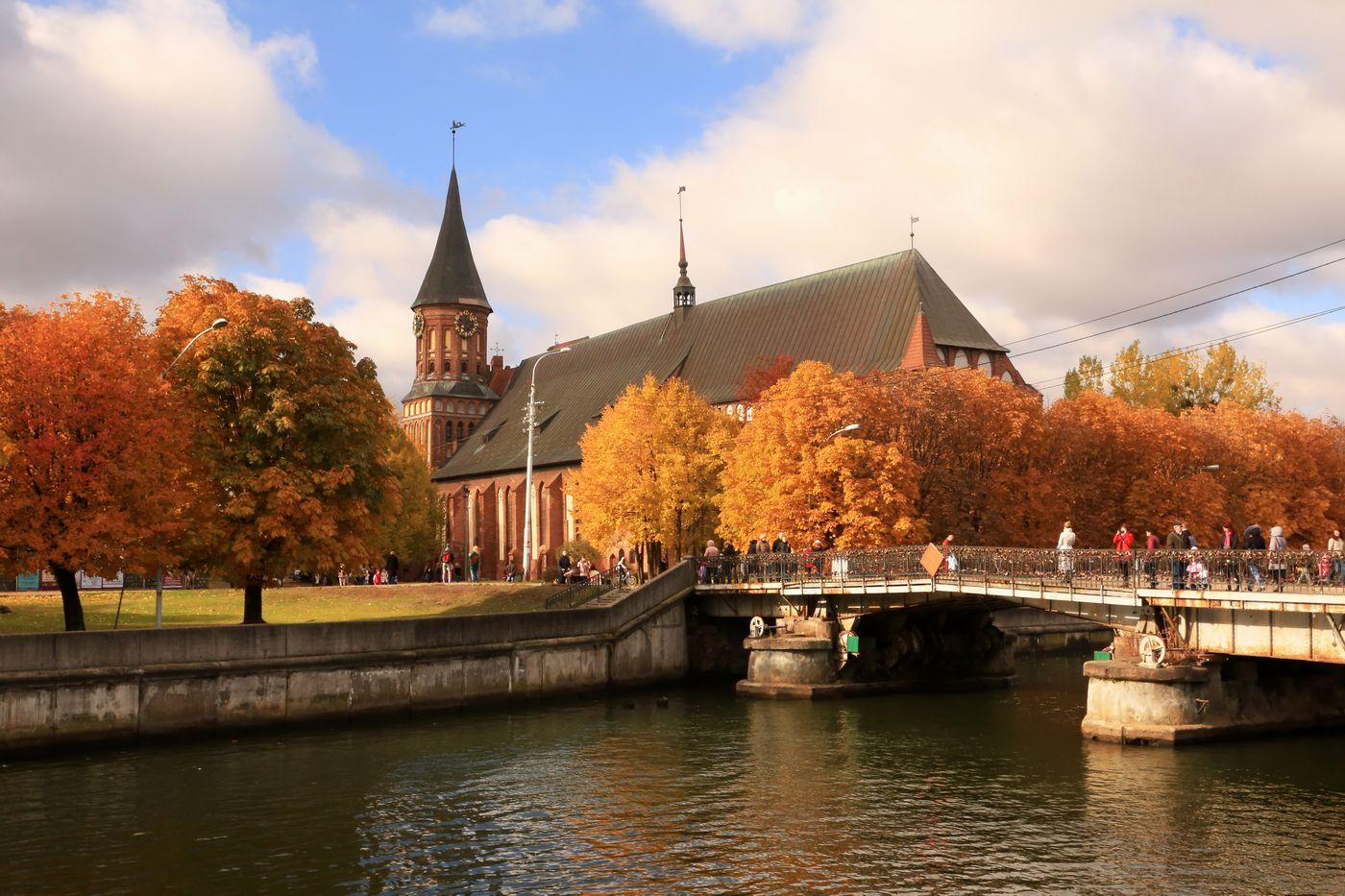 Стоит ли ехать в Калининград осенью?